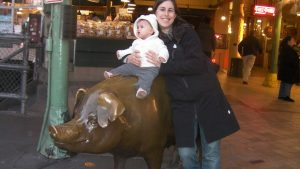 Traveling with Children pig at pike place